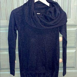 🔴Cute cowl neck sweater!